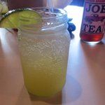 Pineapple lime seltzer