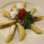 Potato gnocchi with poppy seeds and sugar