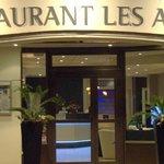 Restaurant Les Alpes Gréoux Accès côté rue piétonne