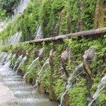 100 fountains