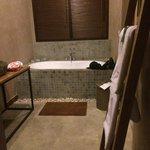 Salle de bains, douche également à disposition