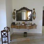 Immense salle de bain de notre villa