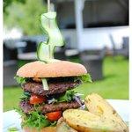 Heimelaga hjorteburger / Homemade deer burger