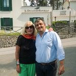 Margaret & Pietro Outside Il Ducato Di Ravello