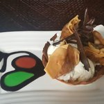 Great apple ice cream desert at the Paon, Sanur!