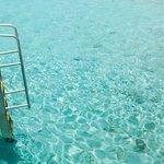 Спуск из номера к воде