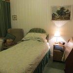 Zimmer - Blick aufs Bett