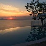 Vue depuis piscine sur baie de Naples et Ischia