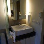 aperçu lavabos la douche est a droite