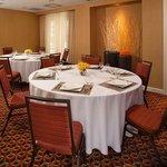 Oak Room (Meeting room) - set up in rounds