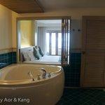 Deluxe King Room Ocean View