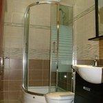 Photo de Hotel Ebruli