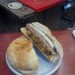 Panini hamburger provola e melenzane a funghetto