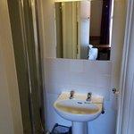 Ensuite bathroom room 49