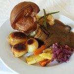 Sundsy roast 2x courses £8.50