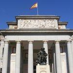 Frente do Museu del Prado