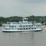 riverboat passing by Go Fish patio