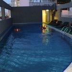 kolam renang di lantai atas