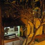 Vista da cozinha do hostel