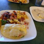 Omelet, home fires, gravy & biscuits....good food!