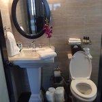 Cute bathroom!