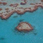 Коралловый атолл в виде сердца