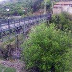 Pasando el puente, hay una altura considerable.