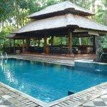 Pool with Pool bar