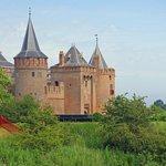 Het kasteel vanaf de Ton Kootsingel