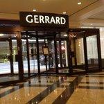 Entrée par Gerrard Street