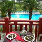 Déjeuner sur le balcon