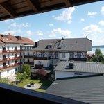 Blick aus dem Zimmer auf Hotel