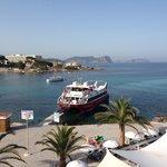 De veerboot naar Formentera vertrekt pal voor de deur, lekker makkelijk!!