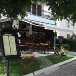 Sahin Palace Apartments Restaurant & Cafe Bar