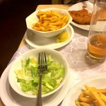 Green salad and pomme frits