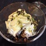 Variegato ricotta-cioccolato fondente-cioccolato bianco-granella di pistacchio di bronte- mandor