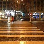 Champs Elysees de noite