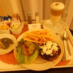 Room Service : Hamburger
