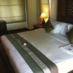 Das schöne große und bequeme Bett