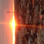 Pôr do sol na cobertura do hotel
