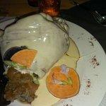 Mon plat: un jambonneau de 800g recouvert d'époisse!!!!
