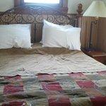 queen bed- very comfy!