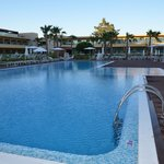 Piscina no hotel Epic Sana- Algarve