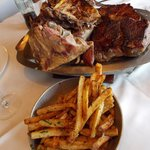 Cordeiro e papas fritas a provençal - almoço