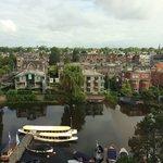Canal e vista a partir do Hilton Amsterdã