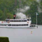 市庁舎からの蒸気船