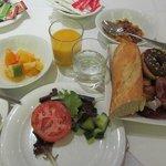 朝食は豪華