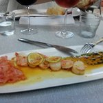 L'entrée : Crevettes et Saint Jacques