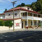 Mid point stopover at the 'Whangamomona Hotel'