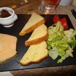 Foie gras com geleia de figo.